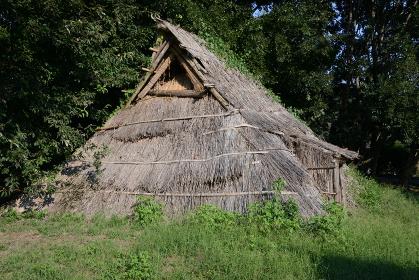 復元された古代住居 群馬県前橋市大室公園