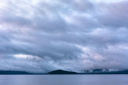 日本の北海道東部にある阿寒摩周国立公園・7月