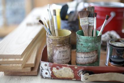 DIYのアトリエ部屋や作業風景のイメージ写真