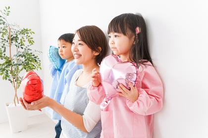 幼稚園・保育園・こども園の先生と生徒