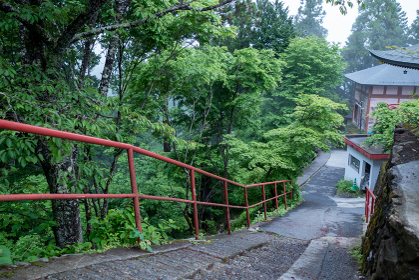 御岳神社の参道