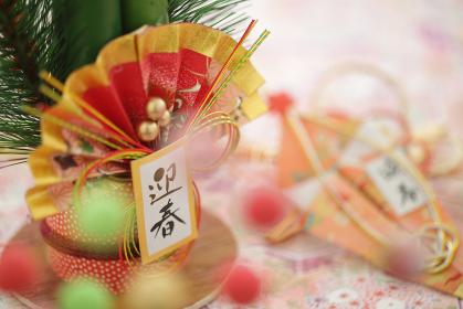 お正月の飾りや小物の集合イメージ