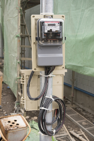 工事現場の仮設の電気メーター