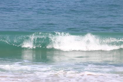 宮崎県日南海岸の穏やかな波