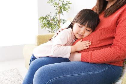 妊娠した母親と子ども