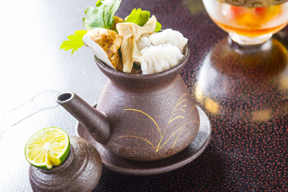日本産松茸土瓶蒸し