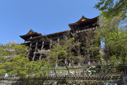 春の清水寺 本堂の舞台 京都市