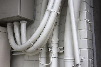 ビルの配線保護ホース
