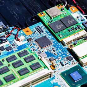 半導体 LSI メモリ 産業のコメ 【争奪戦が続く半導体不足のイメージ】