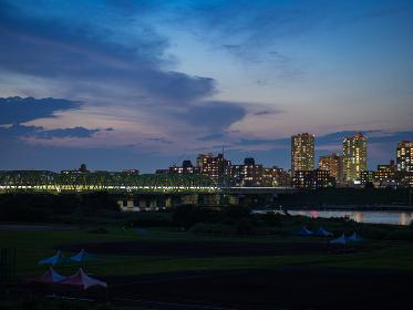 埼玉県川口市と荒川の夜景 7月
