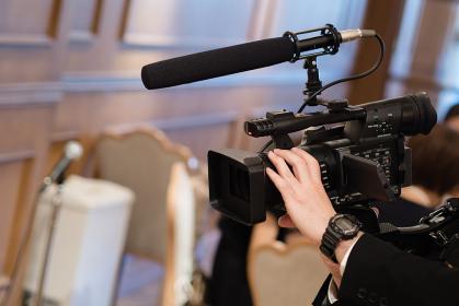 披露宴でのビデオ撮影イメージ