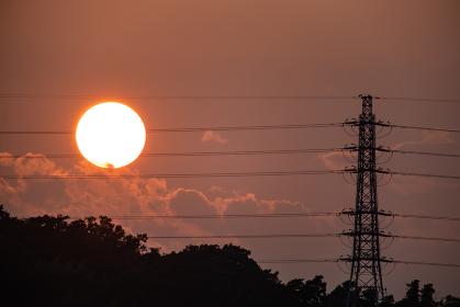 夕焼け空と鉄塔