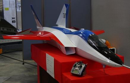 次期ステルス実証機の模型(2010航空自衛隊小牧基地祭)