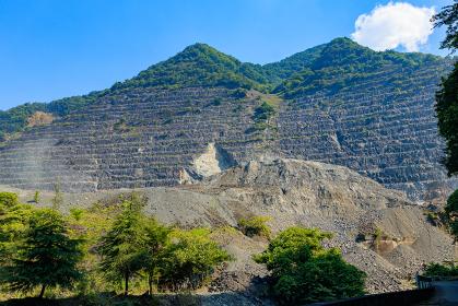 採掘された武甲山