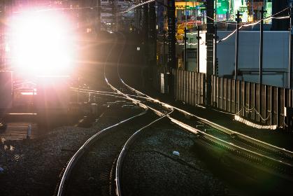 横浜桜木町駅、電車のライトと線路・日本