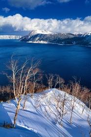 北海道・阿寒国立公園 厳冬期の摩周湖の風景