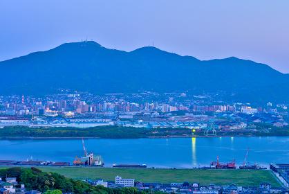 高塔山から見る八幡の街並みの夜景