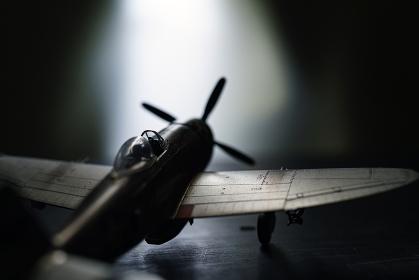 古い戦闘機の模型