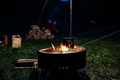 焚火 焚き火 キャンプ場 キャンプ 火 炎