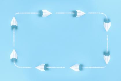 紙飛行機が周りを飛ぶフレーム 1