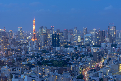 夕暮れの東京都心風景