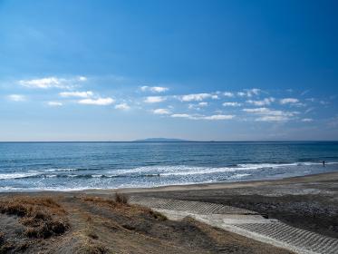 快晴の館山市 平砂浦海岸の風景 3月