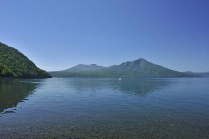 初夏の支笏湖