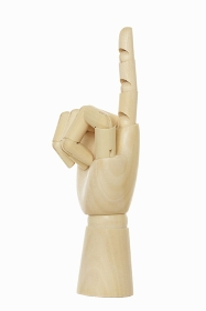 指差す木製の手