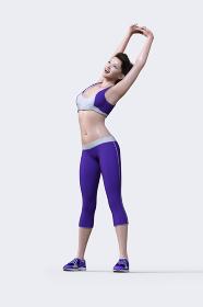紫色のジャージを着た女性が笑顔でのびのびストレッチをする