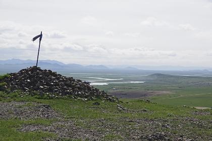 小高い丘に建てられたオボー