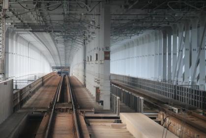 瀬戸大橋を進む
