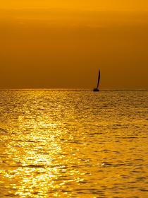三浦半島 荒井浜の秋の夕景 10月