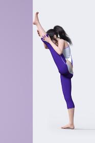 壁を使って足の筋を伸ばすストレッチをする紫色のジャージを履いた女の子