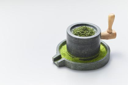石臼と碾茶