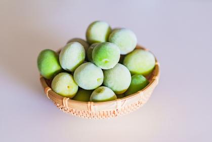 梅の実 冷凍 ザル 【 梅酒 仕込み イメージ 】