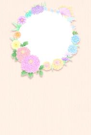 牡丹と菊の華やかな和風丸フレーム ベージュ ハガキサイズ
