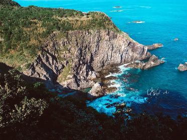 崖の上から見える海
