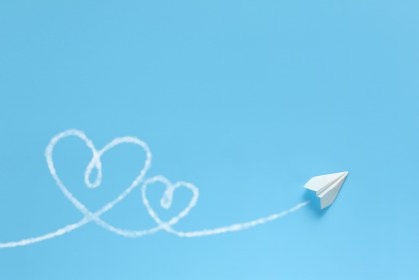 飛行機雲でハートを描く紙飛行機 6 1機 Wハート