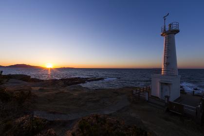 遠見ヶ鼻妙見崎灯台の夕暮れ