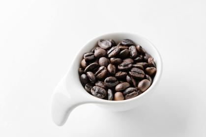 フレンチローストに焙煎されたコーヒー豆