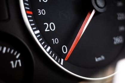 自動車のスピードメーター