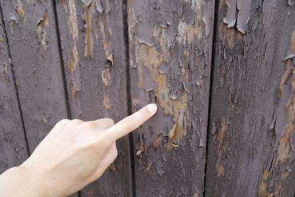 木造住宅 外壁の塗装が剥がれている